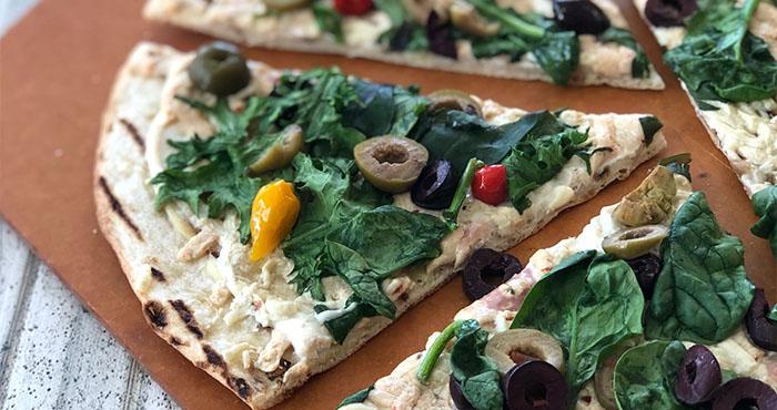 vegan spinach olive pizza